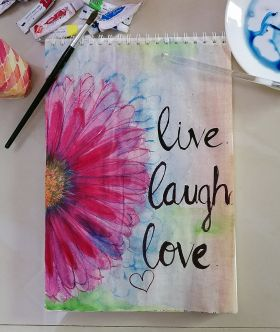 لوحة ملهمة - عيش ، اضحك ، حب